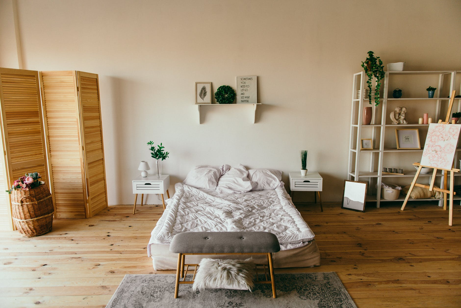 10 Trendy Interior Paint Colors To Make Your Bedroom Look Bigger